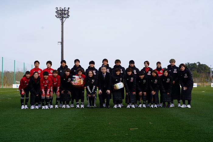 【イベント】なでしこジャパン(サッカー日本女子代表)トレーニングキャンプにてGAP認証農産物を贈呈しました